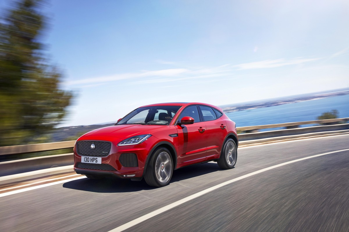 JAG_EPACE_18MY_FirstEdition_OnroadDynamic_130717_02