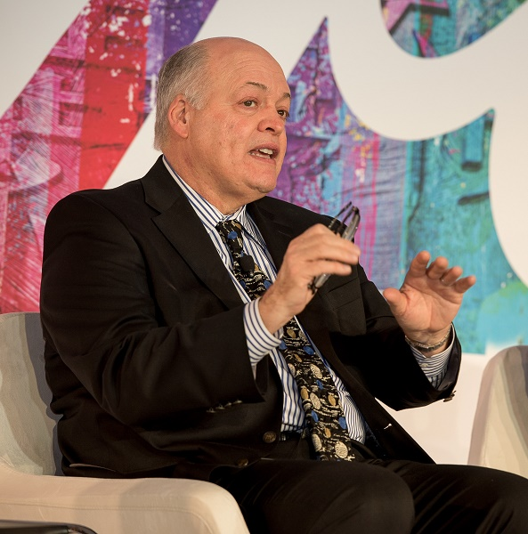 Jim Hackett, President and CEO, Ford Motor Company, outlines his plans for Ford to become the world's most trusted mobility company. 福特汽车公司总裁兼首席执行官韩恺特先生阐述福特致力于成为全球最值得信任的智能移动出行公司的规划。
