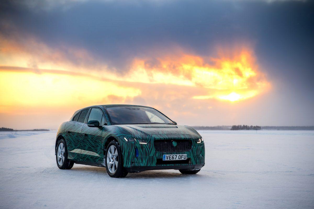 Jaguar I-Pace recarrega em menos de 45 minutos, em teste na Suécia