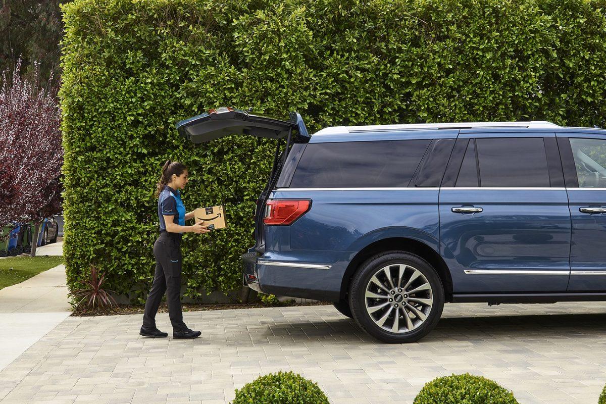 Ford faz parceria com a Amazon para entrega de encomendas nos veículos