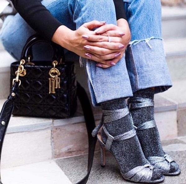 a3eef0b4 Sandália + meia: será que essa moda pega? - Conexão da Moda