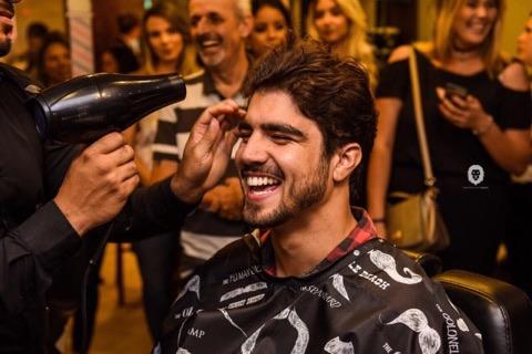 Serviços da barbearia The king diferenciado. FOTO Wanderson Lopes