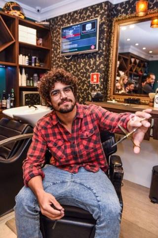 Caio Castro firme e forte em sua nova sociedade com a the king.  FOTO WANDERSON LOPES