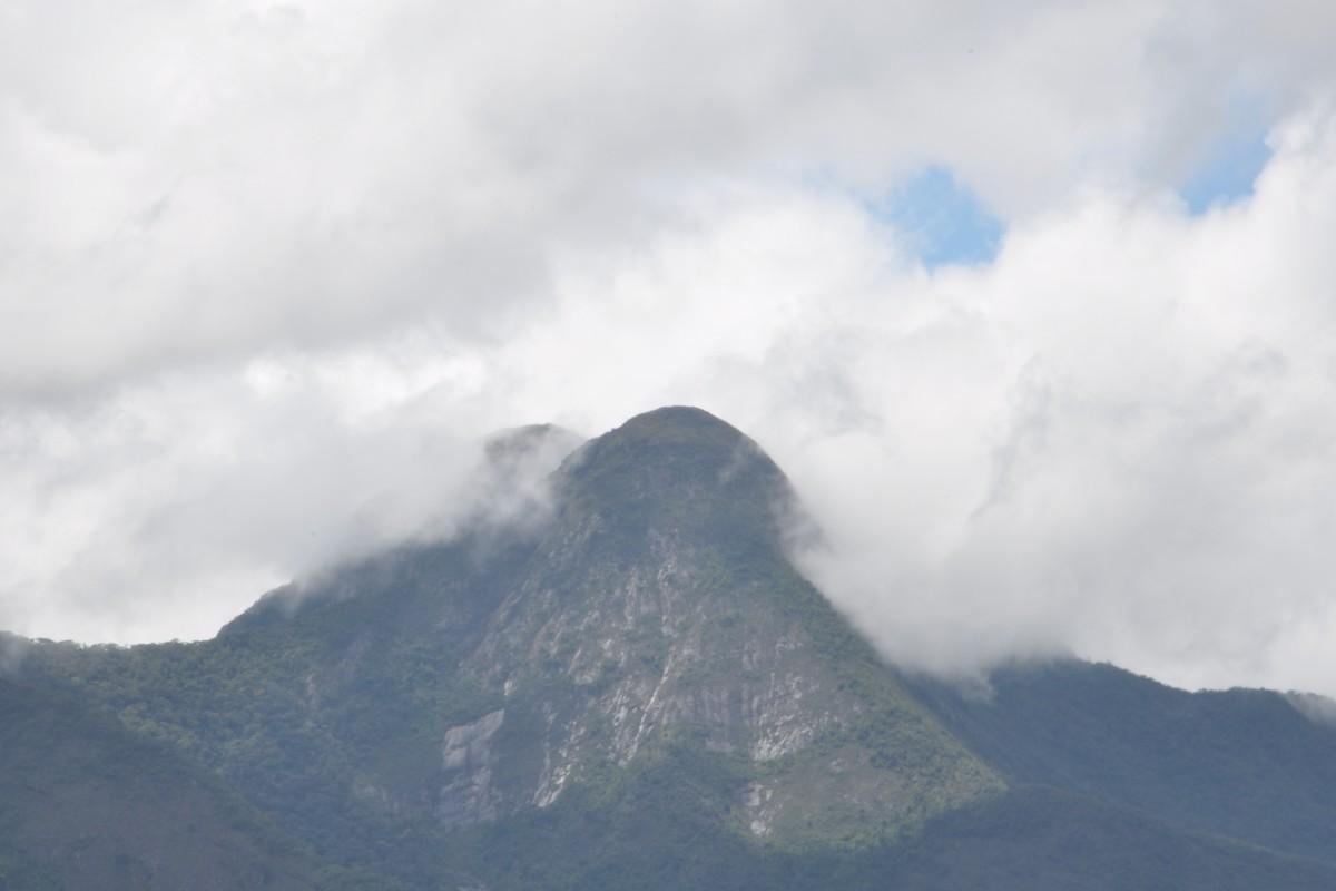 Vista da pousada Macieira para o pico da bandeira Serra do Caparaó Espirito Santo Brasil