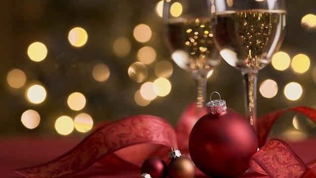 rotulos-especiais-para-a-ceia-de-natal-promocao-da-semana-vinhos-pontuados-noel