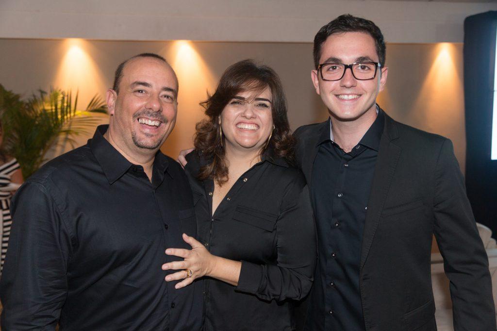 Os anfitrioes Marcus e Anna Arreguy_Rodolfo Trindade_1