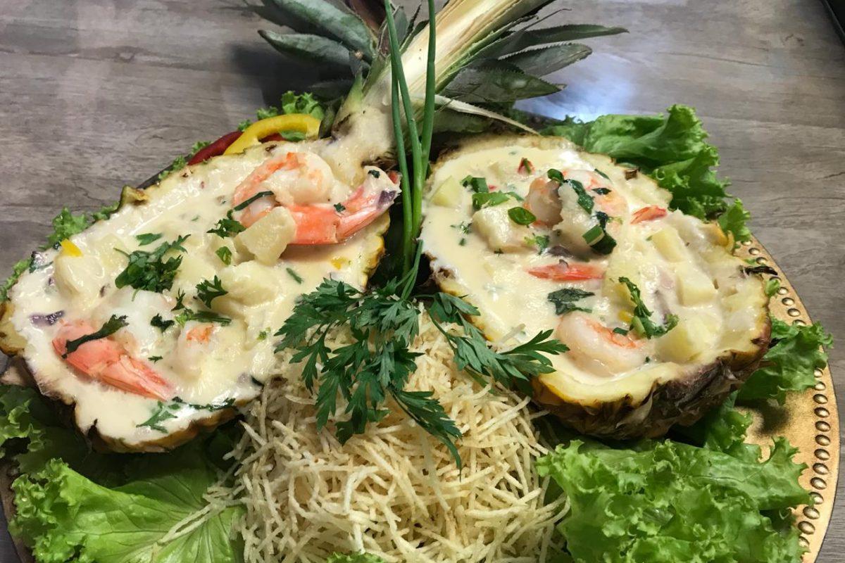 Receita de camarão no abacaxi