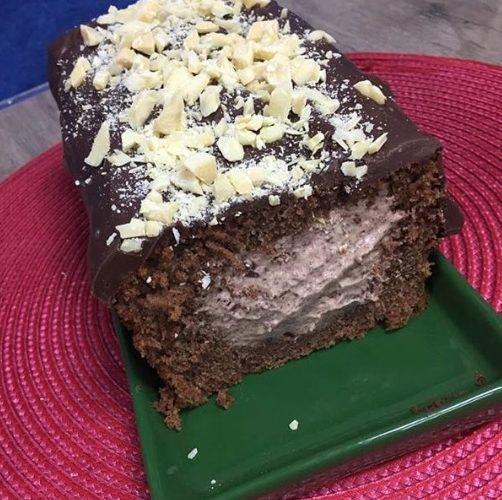 bolo de chocolate com recheio de sorvete