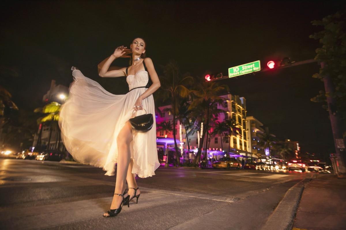 Natalia Bogdanova posa em Miami para grife Jorge Bischoff(3)