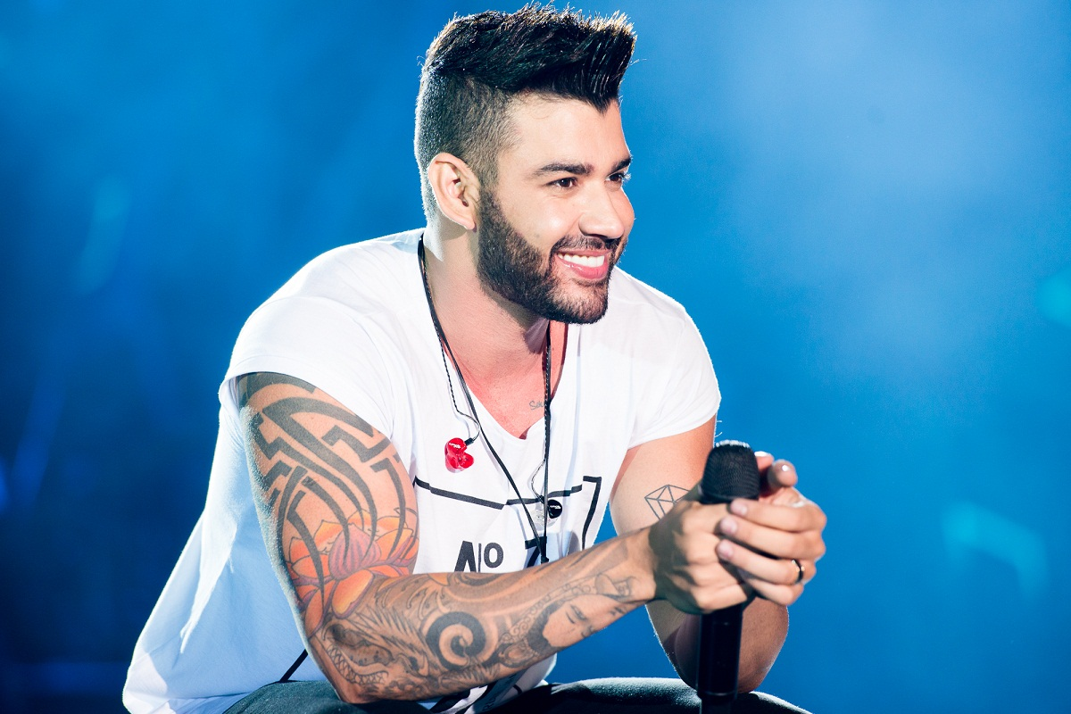 Gusttavo Lima doa ingressos para fã assistir seu show