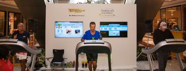 Um pé no Guinness e outro na esteira: ultramaratonista completa ...