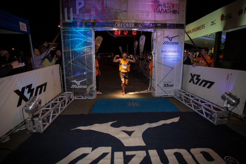 Marcelo venceu com o tempo de 3h12m11s. Foto: Ricardo Moreno Divulgação Mizuno Uphill