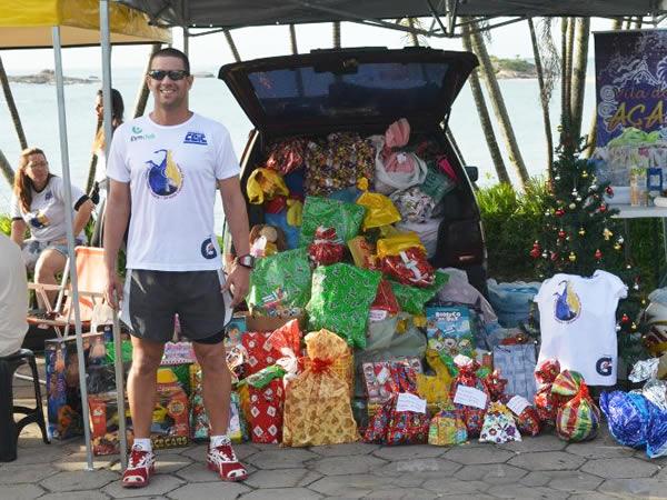 Ultramaratonista Carlos Gusmão e doações