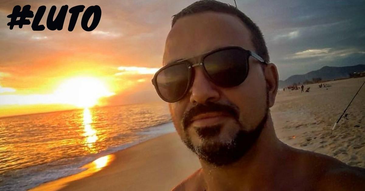 Sob aplausos e homenagens, corredor morto após ser atingido por coqueiro é enterrado no Rio