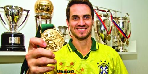 Sávio, ex-craque do Flamengo e revelação da Desportiva Ferroviária também estará em campo no dia 20.