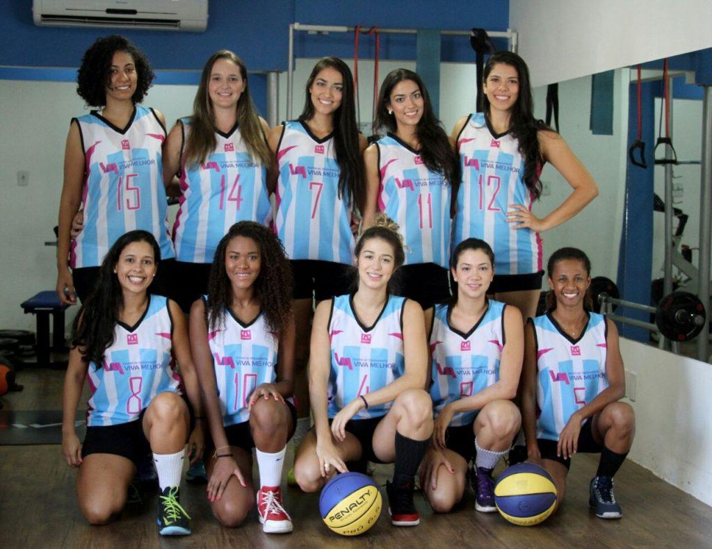Diferentes profissões mas uma paixão em comum: o basquetebol. E é por esse amor que as meninas prometem lutar em quadra pelo título da competição e o fortalecimento da modalidade no ES. (Foto: Assessoria Viva Melhor)