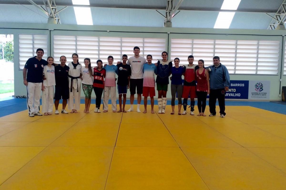 268bd58d81 ... de taekwondo viaja nesta quinta-feira (23)