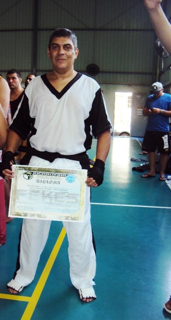 """""""Todas as minhas graduações não foram fácies, principalmente no Kickboxing , a qual é recente. O Taekwondo que sou mais antigo. Foi um desafio interessante, pois sou teoricamente velho. Eu estou no kickboxing há um ano e meio. Me graduei da branca a marrom em seis meses (branca, amarela, laranja, verde, azul, marrom e preta) e  como eu já era quarto grau de uma outra arte marcial, consegui graduação em um menor período."""""""