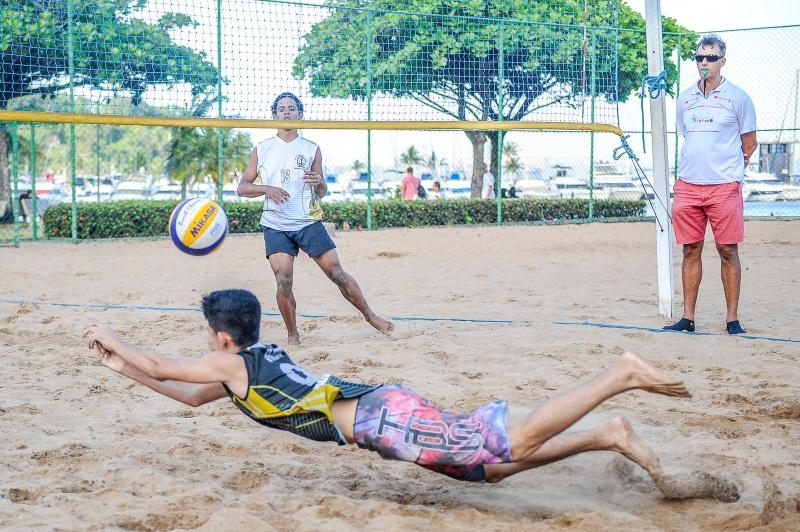 Torneio Sacando para o Futuro conhece campeões e revela promessas do vôlei de praia