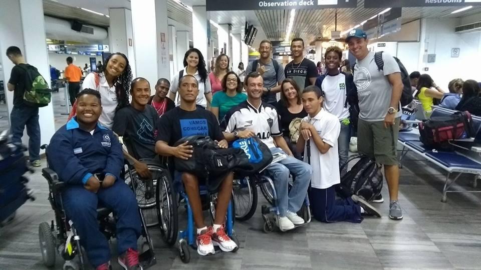 Equipe de natação paralímpica viaja para o Rio de olho em vaga no Nacional