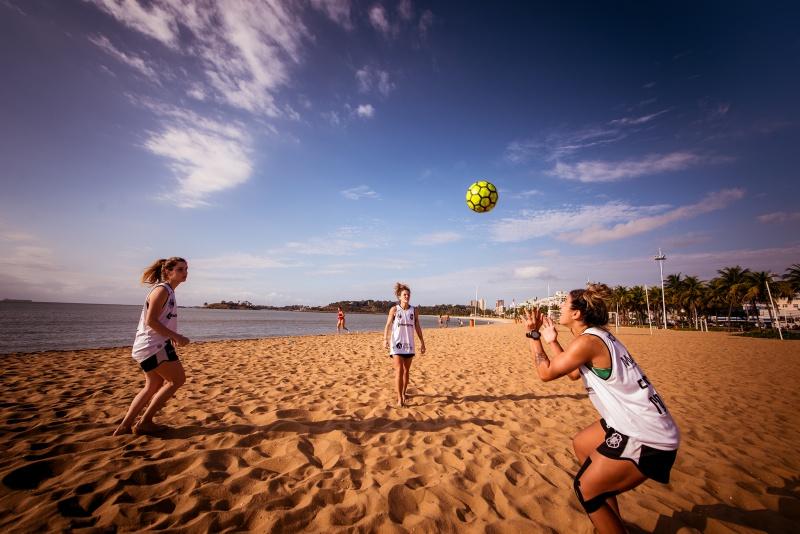 3c56712e2c Estrelas do futebol de areia feminino se preparam para mais uma Eurocopa