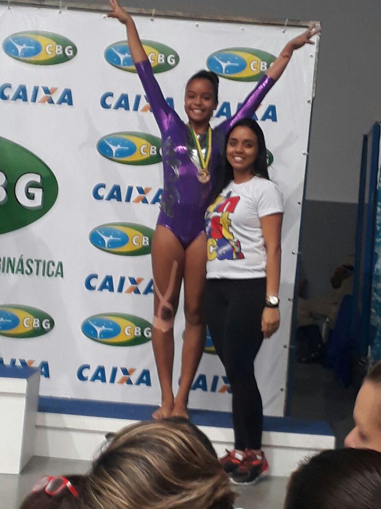 Ana Clara ficou com o terceiro lugar no tumbling na competição nacional