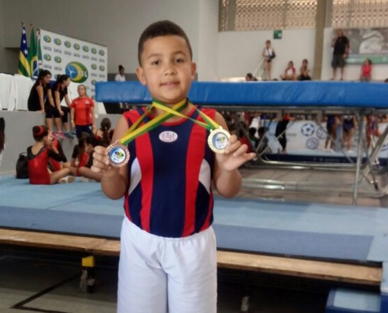 Atleta Pyetro Dias levou o primeiro lugar no duplo-mini e terceiro no tumbling no Brasileiro disputado em Goiânia