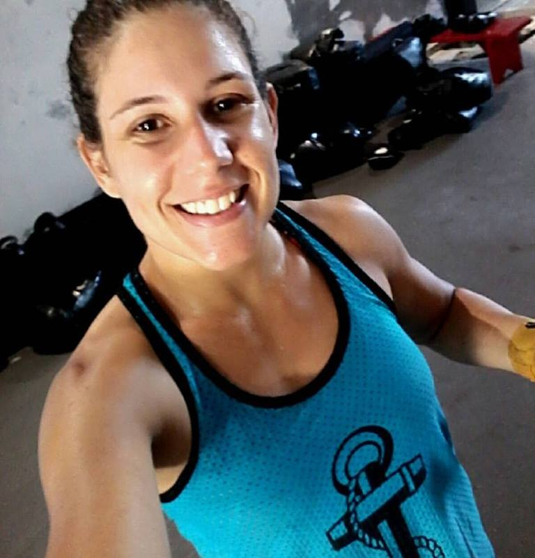 A capixaba Karolline Rosa luta hoje no maior evento de MMA do Brasil