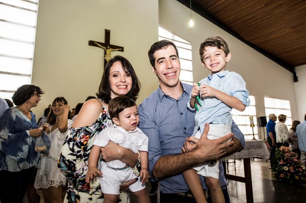 Lorena, Arthur e o marido Gustavo com o Rafael - Foto | Acervo pessoal