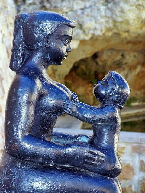 maternity-seat-1180161_640