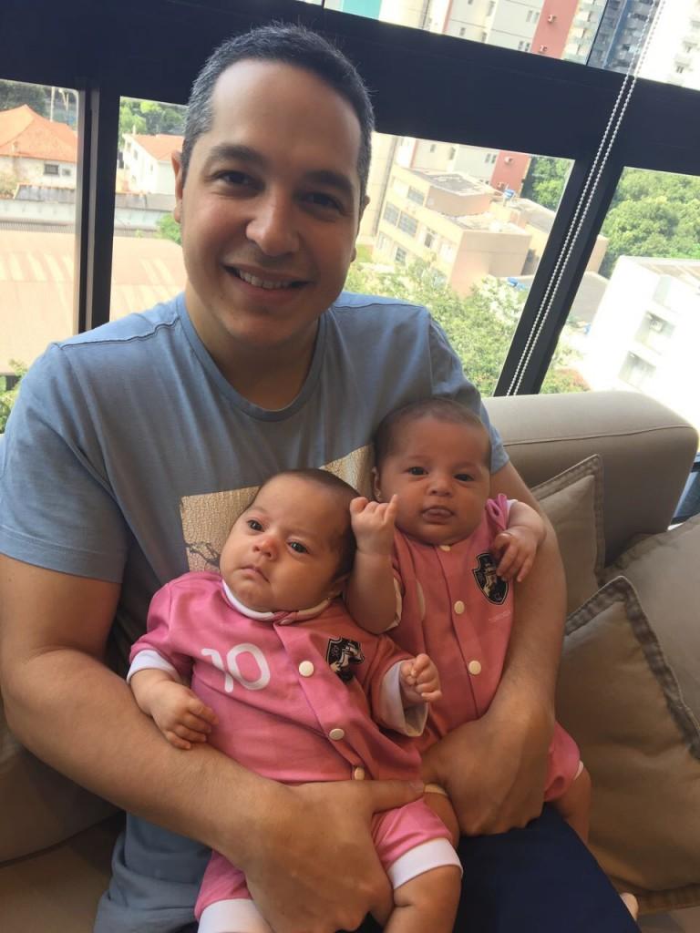 Gabriel e as filha Lais e Isabel: vivência.