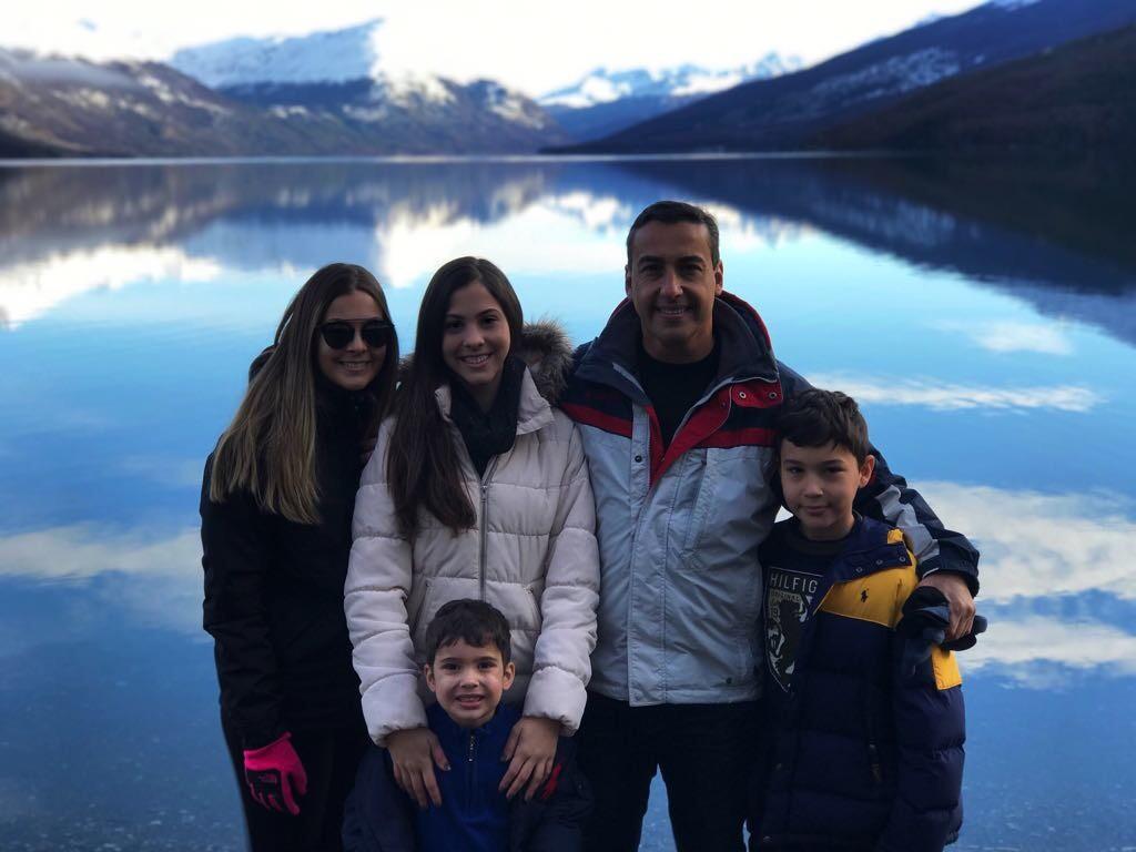 Claudio com os filhos Marília, Mila, Felipe e Arthur | Foto: Acervo Pessoal.