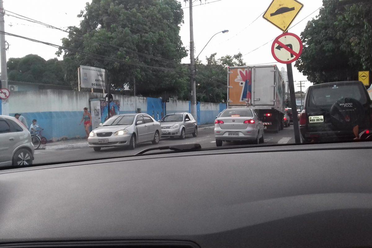 Falta de sinalização e manutenção de faixa de pedestre em Vila Velha preocupam internauta