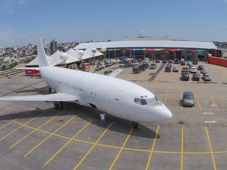 Boeing da extinta Vasp é atração de shopping 100% de containers ...