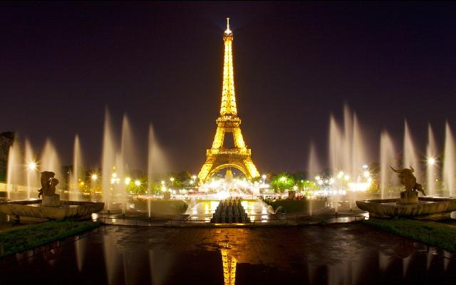 Partiu Paris! Passagens aéreas de ida e volta por R$ 3.598,61 com taxas incluídas para embarque em Vitória e mais cinco cidades