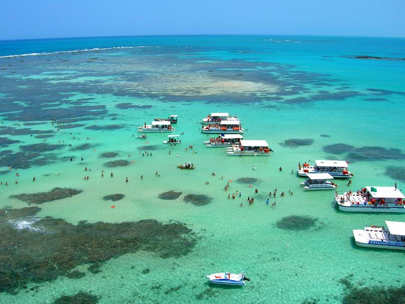 Maragogi abriga a maior barreira de corais do Brasil