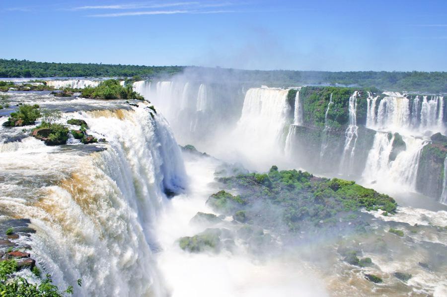 Cataratas do Iguaçu registra aumento de visitantes em 6,4% no primeiro semestre