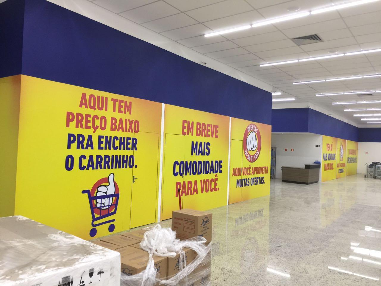 d64a6f6b402 Extrabom inaugura 26ª loja e Oficina de Letras cuidou do visual do mall – A  Rede Extrabom entregou à comunidade de Porto Canoa uma nova loja com 2.400  m² de ...