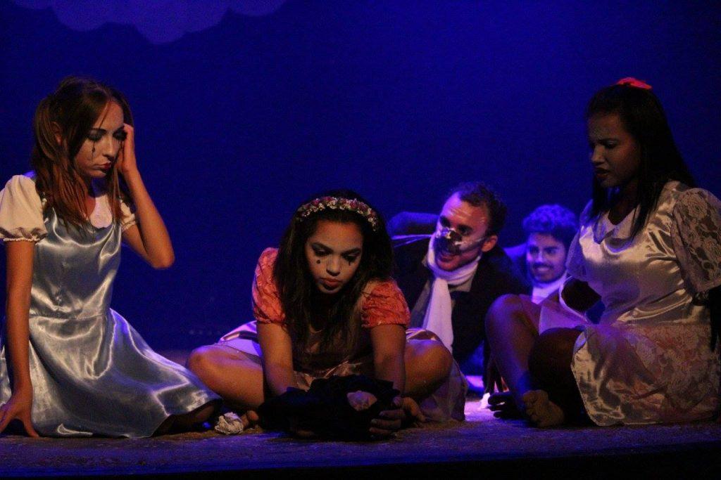 Grupo de teatro da UVV