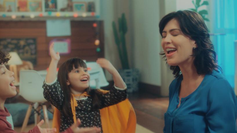 Ri Happy reforça movimento #ModoBrincar com filme para TV