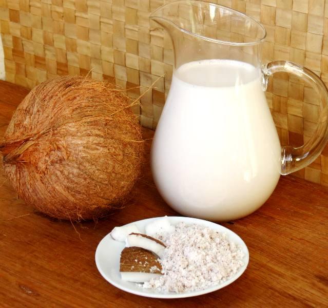 Aprenda a fazer Leite de Coco caseiro - Saúde em Dia